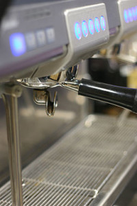By journeys (Nuova Simonelli - Aurelia) [CC-BY-2.0 (http://creativecommons.org/licenses/by/2.0)], via Wikimedia Commons